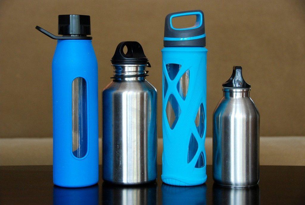 Olika vattenflaskor